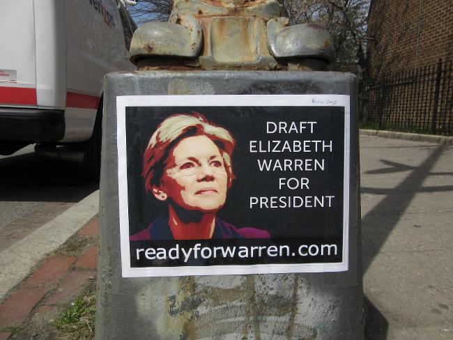 A sign urging people to draft Elizabeth Warren for the presidency.