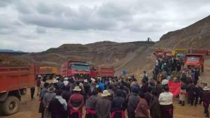 Protesters at a Tibetan gold mine
